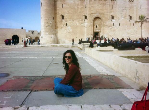 A estudante Mariana Toledo, no Cairo para aprender árabe. Crédito Arquivo Pessoal