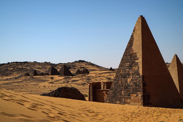 As pirâmides de Meroé, no atual Sudão. Crédito Al Jazeera
