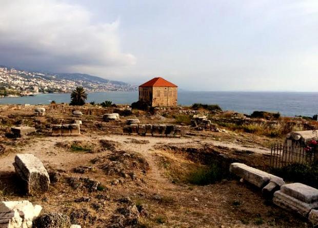 Construção otomana na área arqueológica de Biblos. Crédito Diogo Bercito/Folhapress