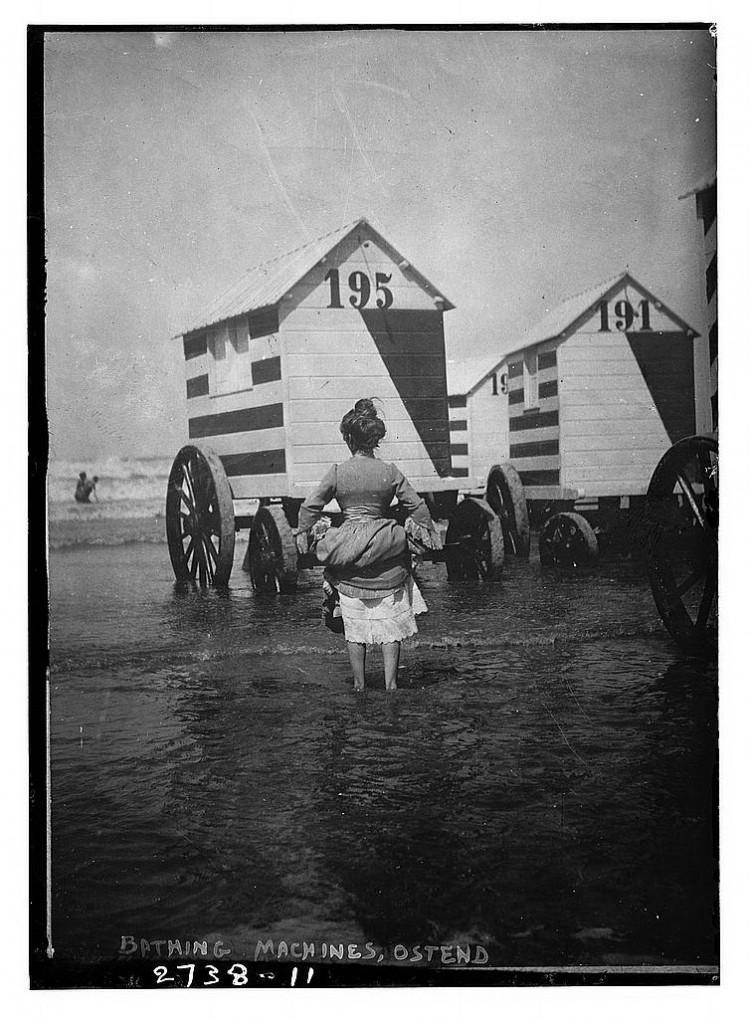Máquinas de banho na Bélgica entre 1910 e 1915. Crédito Biblioteca do Congresso