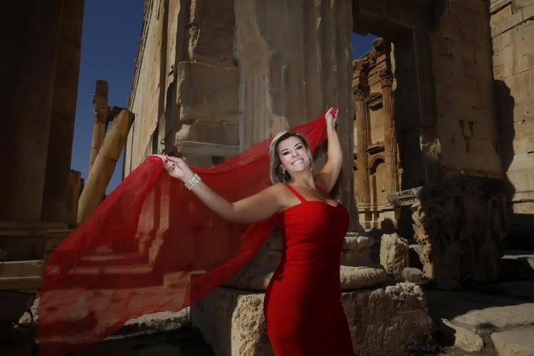 Viviane Carvalho nas ruínas de Baalbek, norte do Líbano. Crédito Divulgação